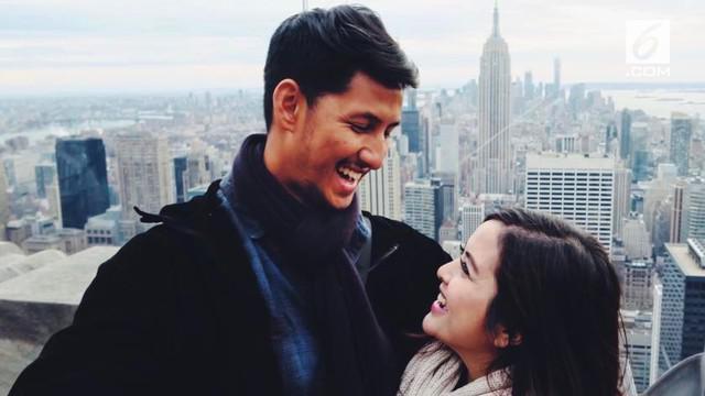 Tasya Kamila resmi menikah dengan kekasihnya Randi Bachtiar, yang telah menjalin hubungan asmara selama enam tahun.