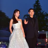 Dan kini publik penasaran dengan kehidupan rumah tangga dari Song Joong Ki dan Song Hye Kyo. Pasalnya rumah tangga Song Song Couple ini jauh dari kabar tak sedap. (AFP/JUNG YEON-JE)