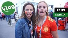Berita video VLOG Bola.com langsung dari Saint-Petersburg di mana jurnalis KLY Sports, Oki Prabhowo, meliput semifinal Piala Dunia 2018, Prancis vs Belgia. Di Stadion, beberapa fans cantik mengucapkan salam untuk Indonesia.