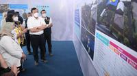 Gubernur Jawa Barat Ridwan Kamil mendampingi Menteri Koordinator Bidang Kemaritiman dan Investasi Luhut Binsar Pandjaitan meninjau DAS Citarum, Selasa (7/9/2021). (Foto: Biro Adpim Jabar)