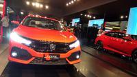 Honda Civic Hatchback Turbo diperkenalkan Jumat (9/6/2017) di Jakarta. (Foto: Rio/Liputan6).