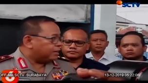 Polda Jatim dan Dinas ESDM Provinsi Jawa Timur membongkar jaringan jual beli bahan bakar minyak (BBM) solar bersubsidi ke perusahaan swasta atau industri, di SPBU di Bangkalan, Madura.