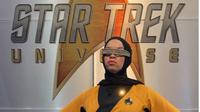 Blair Imani menggunakan kostum tokoh Star Fleet dari Star Trek dengan memakai hijab. (dok.Twitter @BlairImani/https://twitter.com/BlairImani/status/1153092754202718208/Henry