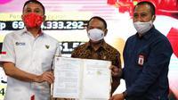 Menpora RI Zainudin Amali menyaksikan Penandatanganan Perjanjian Kerjasama Fasilitasi Pelatnas Timnas U-19 menuju Piala Dunia U-20 tahun 2021 di Wisma Kemenpora, Senayan, Jakarta, (27/7) sore.