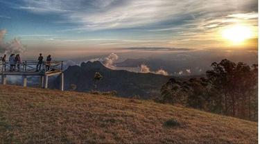 Puncak Gunung Wololobo