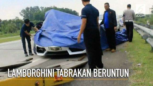 Rombongan Lamborghini kecelakaan di ruas Tol Cipali. Kecelakaan melibatkan empat kendaraan, termasuk mobil pengawalan polisi.