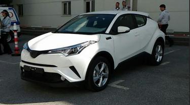 Resmi, Toyota C-HR Lawan Honda HR-V Diproduksi di Turki