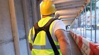 Media sosial pekerja bangunan yang tiba-tiba viral. (dok. Instagram @justaconstructionguy/https://www.instagram.com/p/BxLdm_0gfvP/)