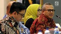 Ketua KPU Arief Budiman saat memimpin rapat Penyampaian Penetapan Daerah Pemilihan dan Alokasi Kursi Anggota DPRD Kab/Kota Pemilu 2019 di Kantor KPU Pusat, Jakarta, Rabu (18/4). (Liputan6.com/JohanTallo)