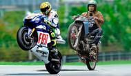 Parodi Ajang MotoGP di Kebun (sumber: Brilio.net)