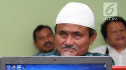 Penyandang tunanetra belajar mengoperasikan komputer di Makfufin Raudlatul, Serpong, Tangerang Selatan, Banten (3/5). Pelatihan ini agar penyandang tunanetra bisa mengoperasikan komputer meski memiliki keterbatasan. (Merdeka.com/Arie Basuki)