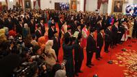 Para menteri membaca sumpah dalam rangkaian pelantikan Kabinet Indonesia Maju di Istana Negara, Jakarta, Rabu (23/10/2019). Presiden Joko Widodo (Jokowi) resmi melantik 34 menteri dan empat pejabat setingkat menteri Kabinet Indonesia Maju periode 2019-2024 resmi dilantik. (Liputan6.com/Angga Yuniar)