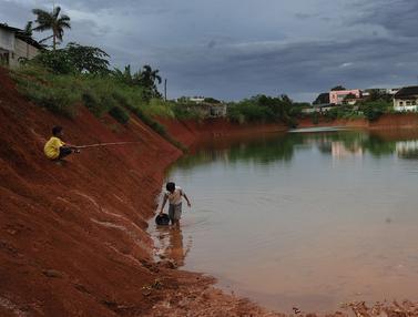 Mangkrak, Proyek Tol Cinere-Serpong Jadi Tempat Pemancingan
