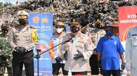 Korlantas Polri menggelar bakti sosial untuk masyarakat terdampak perpanjangan Pemberlakuan Pembatasan Kegiatan Masyarakat atau PPKM Level 4 di Bantul, Yogyakarta. (Istimewa)
