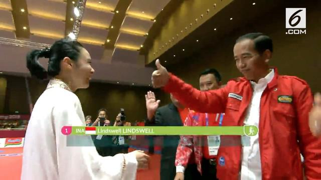 Medali emas untuk Indonesia pada ajang Asian Games 2018 berhasil disumbangkan oleh atlet wushu andalan Indonesia. Lindswell Kwok, di nomor Taijijian. Presiden Jokowi mengapresiasi dengan menonton langsung pertandingan Lindswell dan berkali-kali membe...