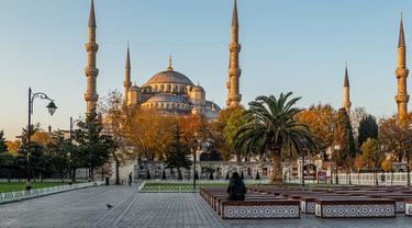 Ilustrasi Blue Mosque