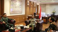 Menko Polhukam Mahfud Md bersama Ketua KPK dan KSAD. (dok Kemenko Polhukam)