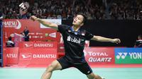 Tunggal putra Indonesia, Anthony Sinisuka Ginting, saat bertanding pada babak kedua Indonesia Masters 2019 di Istora Senayan, Jakarta, Kamis (24/1/2019). (PBSI)