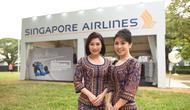 Awak kabin Singapore Airlines. (dok. Instagram @singaporeair/https://www.instagram.com/p/B2oEm0FlDRC/)