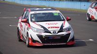 Toyota Yaris menunjukkan taringnya di kejuaraan Japan Super Touring Car (JSTC) Championship kelas production max 1.600 (P2).