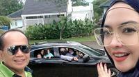 Ingrid Kansil bersilaturahmi dengan adik dan keponakannya dengan cara drive thru pada Lebaran kali ini (Dok.Instagram/@ingrid_kansil/https://www.instagram.com/p/CAnEfAhJnx6/Komarudin)