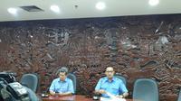 Plt Humas Kemkominfo Noor Iza (kiri) dan Dirjen Aptika Kemkominfo Semuel Abrijani Pangerapan bicara soal pemblokiran Tumblr di Jakarta, Rabu (7/3/2018).