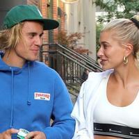 Justin Bieber dan Hailey Baldwin kini terlihat mesra di manapun keduanya berada. (Fox News)