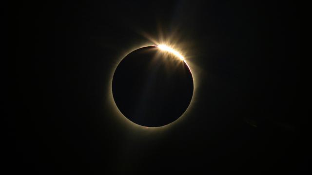 Menyaksikan Gerhana Matahari Total di Langit Chile