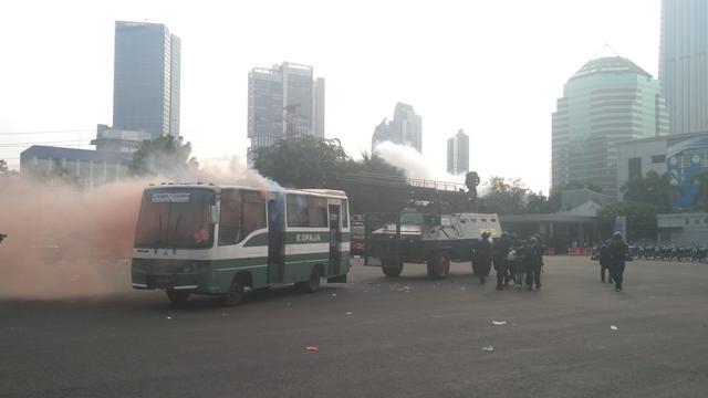 Image result for IMAGE Kopaja Jurusan Tanah Abang-Cileduk Meledak di Polda Metro Jaya, Ternyata...