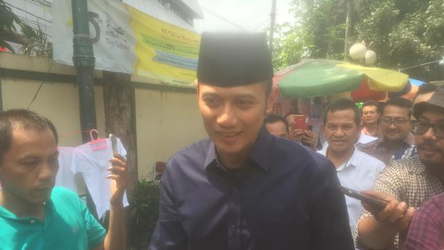 AHY Ikut Prabowo dan Sandiaga Salat Jumat di Masjid Sunda Kelapa