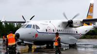 Pesawat CN-235 dari skadron udara 27 Lanud Manuha, Kabupaten Biak Numfor, Papua saat berada di Kota Tarakan, Kalimantan Utara.
