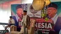 Ma'ruf Amin mendengarkan Deklarasi Gerakan Nasional Indonesia Anti Hoaks, yang digagas oleh Master C19 Portal KMA, Forum Santri Nasional, Santri Millenial Centre (SIMAC). (Liputan6.com/Putu Merta)