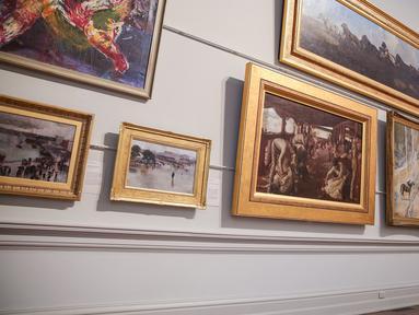 Seorang wanita mengunjungi Galeri Seni New South Wales di Sydney, Australia (5/6/2020). Galeri Seni New South Wales dibuka kembali untuk umum setelah Sydney melonggarkan sejumlah kebijakan terkait pandemi COVID-19. (Xinhua/Bai Xuefei)