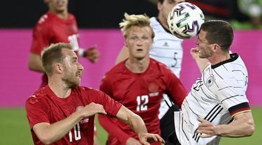 Jeman melakoni pertandingan uji coba pertamanya menjelang Euro 2020 (Euro 2021) di Tivoli Stadium Tirol, Innsbruck, Austria, Kamis (3/6/2021). Sayangnya mereka hanya mendapatkan hasil seri (1-1) melawan Denmark. (Foto: AP/Pool/Frederico Gambarini)