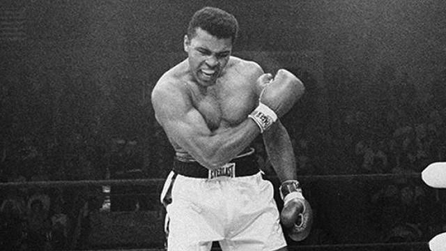 Muhammad Ali, sang petinju legendaris