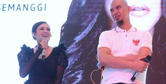 Mulan Jameela  resmi meluncurkan album barunya berjudul 99 Volume 2 Patience. Seperti diketahui, istri Ahmad Dhani tersebut merilis album terakhir pada tahun 2013 yang berjudul 2013. (Nurwahyunan/Bintang.com)