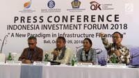 (Kiri ke kanan) Ketua Dewan Komisioner OJK Wimboh Santoso, Gubernur BI Perry Warjiyo, Menteri BUMN Rini Soemarno dan Dirut Bank Mandiri Kartika Wirjoatmodjo saat pembukaan Indonesia Investment Forum 2018 di Bali, Selasa (9/10). (Liputan6.com/Angga Yuniar)