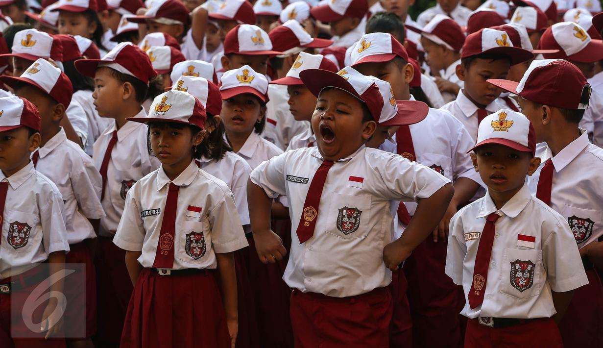 Berbagai Tingkah Anak Pada Hari Pertama Sekolah Di SDN Pasar