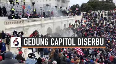 Ribuan pendukung Presiden AS Donald Trump menyerbu Gedung Capitol di ibukota AS, saat sidang paripurna pengesahan hasil Pilpres 2020 berlangsung. Akibatnya sidang terhenti dan para anggota kongres dievakuasi. Di dalam, seorang pemrotes tertembak, dan...