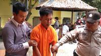 Pelaku begal motor, Budi Irawan, pernah ketakutan saat berusaha membegal korbannya yang punya mantra sakti (Liputan6.com / Nefri Inge)