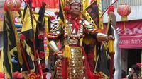 Atraksi ekstrim selalu dinanti oleh pengunjung saat menyaksikan Festival Cap Go Meh Singkawang