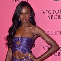 Kenalan dengan Victoria's Secret Angel baru yang merupakan perempuan berkulit hitam (Foto: Instagram/leomieanderson)