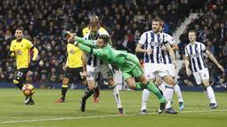 Kiper  Bromwich Albion, Ben Foster menempati urutan ketiga dengan total penyelamatan sebanyak 55 kali untuk menghidari gawangnya dari gol pada laga Premier League. (Action Images via Reuters/Carl Recine)