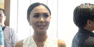 Yuni Shara tidak bisa kompromi terhadap waktu syuting yang padat sehingga ia khawatir kehilangan melihat tumbuh kembang anak.