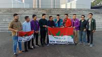 BEM Nusantara menggelar pernyataan sikap usai pertemuan pengurus pusat dan koordinator daerah di Bandung, Jawa Barat, Minggu (20/10/2019). (Liputan6.com/Huyogo Simbolon)