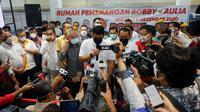 Bobby Nasution memberikan keterangan pers di Rumah Pemenangan
