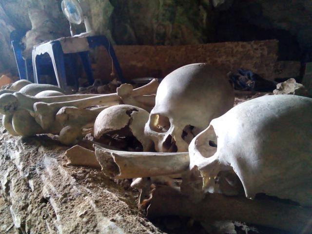 Kuburan Batu di Kete Kesu Toraja Utara,Sulawesi Selatan. (Liputan6.com/Eka Hakim)