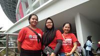 Agnes, Waluisa, dan Yuyun memberikan dukungan untuk atlet Asian Para Games (Cakrayuri/Liputan6.com)