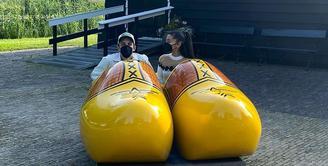 Ariana Grande tengah berbulan madu dengan suaminya, Dalton Gomez di Amsterdam. (Foto Instagram/@arianagrande)