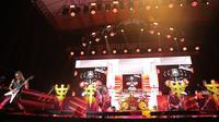 Judas Priest mengguncang Jakarta dalam Judas Priest Live in Concert yang dipromotori Rajawali Indonesia Communication, di Ecopark, Ancol, Jumat (7/12). (New Fimela/Bambang Eros)